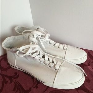 NWOT American Eagle size 12 hightop sneakers white